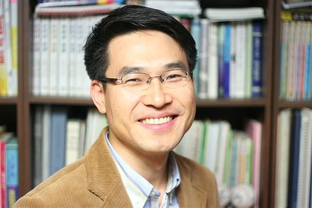 Photo of Joonkil Ahn